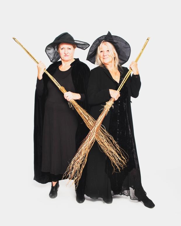 4L&L Kath&Val broomsticks